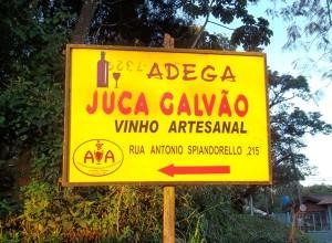 Placa Indicativa da Adega Juca Galvão