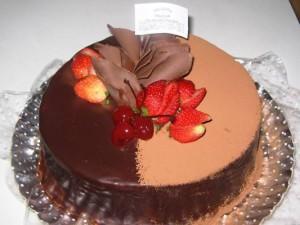 Grande variedade de bolos e sobremesas - Delícias em Pedaços