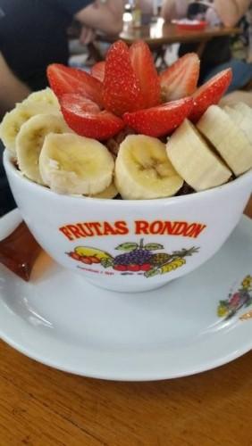 Delicioso açaí na tigela - Frutas Rondon