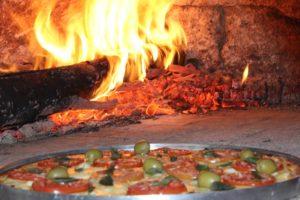 Diversas opções de pizzas