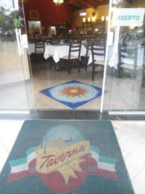 Entrada do Restaurante A Taverna