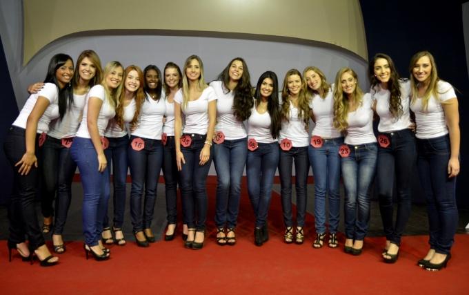 As 14 finalistas que participarão do concurso para escolha da Corte da Uva 2015