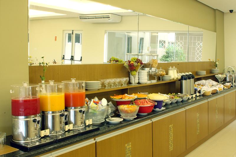 Café da Manhã no Jundiá Restaurante