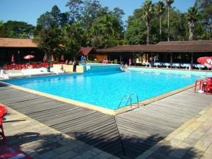 Área externa com piscina