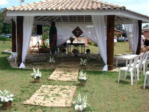 Quiosque decorado para cerimônia de casamento - Recanto Coisa Linda