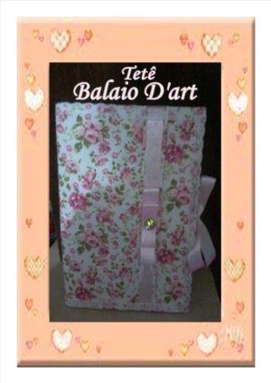 Caderno pequeno floral