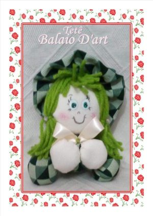 Boneca fofuxa verde